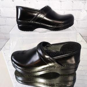 """Dansko Wmn's Black Leather """"Professional"""" Clog 38"""